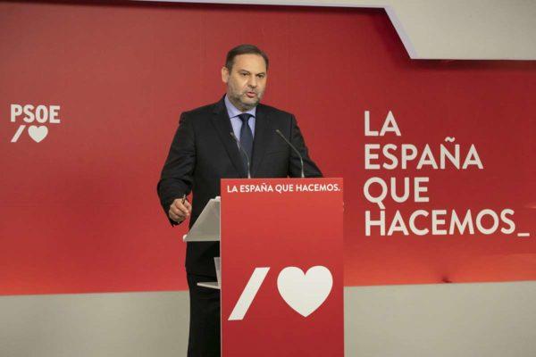 Investigan a exministro de Transporte español por avalar polémico rescate financiero a Plus Ultra