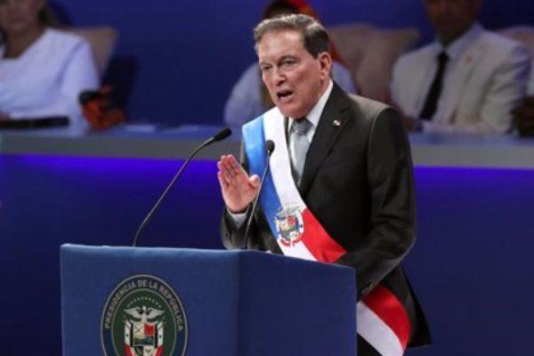 Presidente de Panamá anuncia plan para reactivar la economía