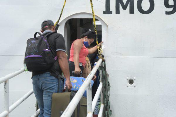 700 venezolanos parten de Trinidad y Tobago en primera jornada marítima del Plan Vuelta a la Patria