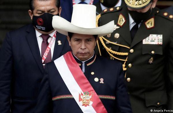 El presidente de Perú aborda política monetaria con el jefe del Banco Central