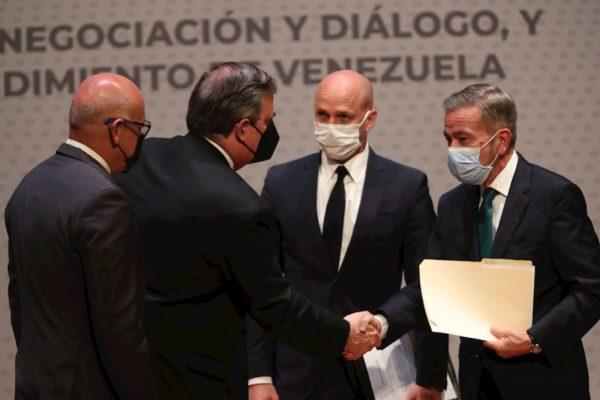 España valora el diálogo para convocar «elecciones creibles» de Venezuela
