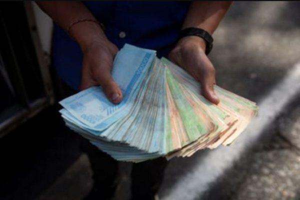 Las razones que fuerzan al gobierno a 'recortar ceros' cada vez en menos tiempo, según Miguel Ángel Santos