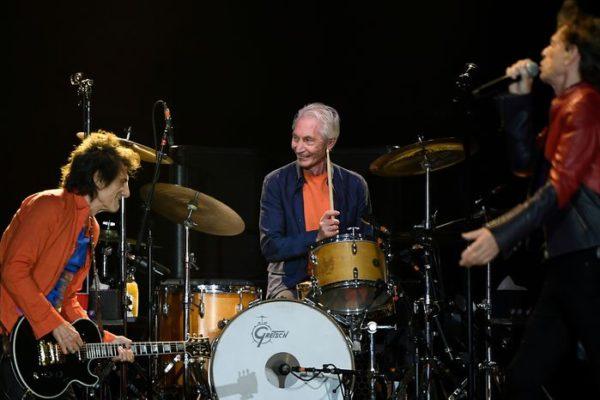 Murió Charlie Watts, el baterista de la legendaria banda Rolling Stones