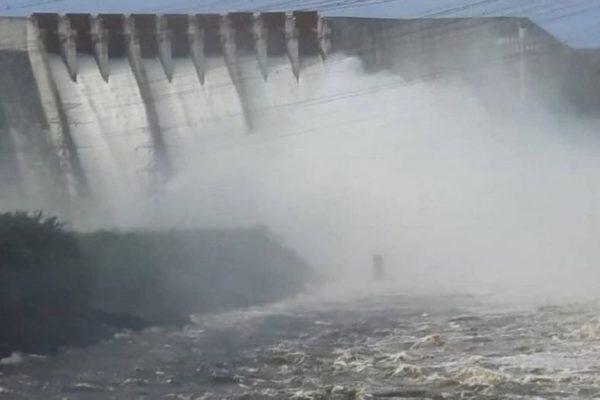Se extiende el racionamiento mientras abren aliviaderos del Guri ¿Por qué parece empeorar la crisis eléctrica aunque no hay sequía?
