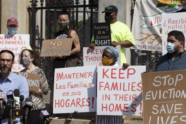 Moratoria a desalojos: la tabla de salvación de millones de familias sin empleo en EEUU