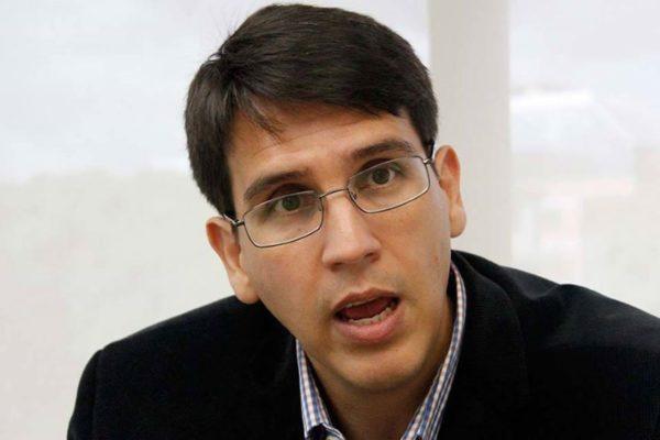 El bolívar «no tendrá un rol protagónico por muchos años», aseguró Henkel García
