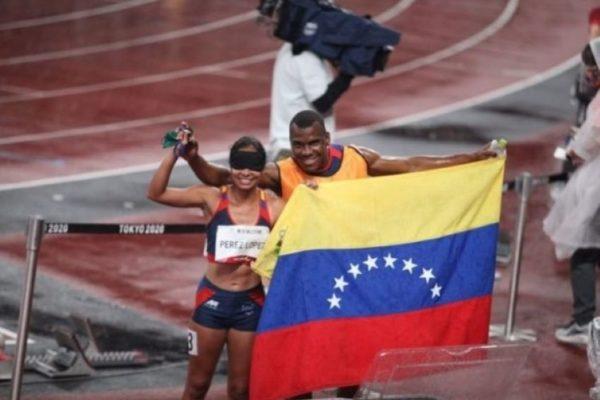 Linda Pérez y Lisbeli Vera se bañaron de oro en atletismo de los Paralímpicos de Tokio
