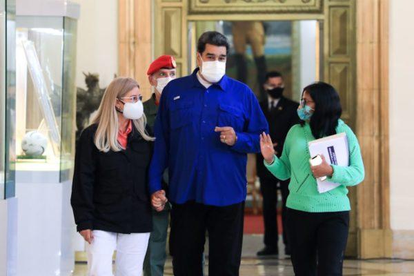 Maduro promete triplicar número de vacunas mientras el país roza las 4.000 muertes por covid-19