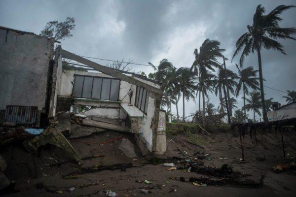 Huracán Grace dejó al menos ocho muertos en su paso por Veracruz