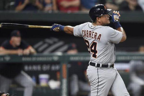 Solo 28 lo han logrado: Miguel Cabrera hizo historia al batear su jonrón número 500 en la MLB (+ video)