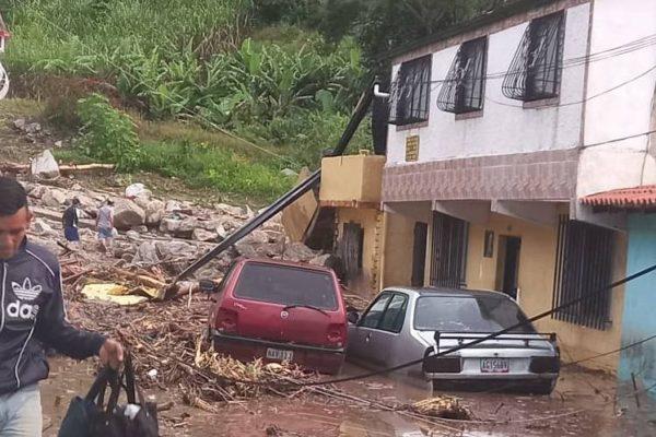 Subió a 16 el número confirmado de fallecidos por las lluvias en Mérida