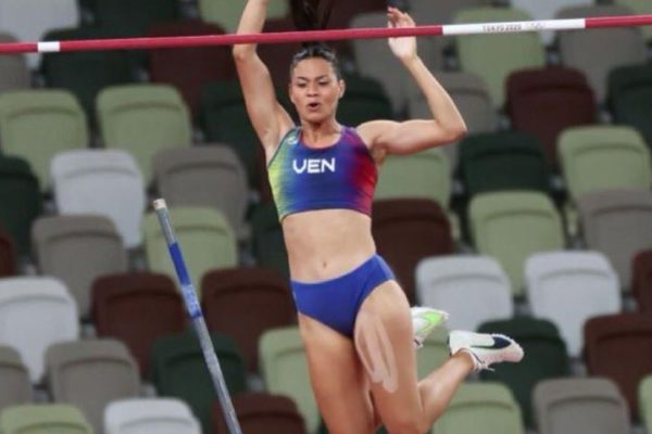 #Tokio2020 Robeilys Peinado fue eliminada en final de salto con garrocha