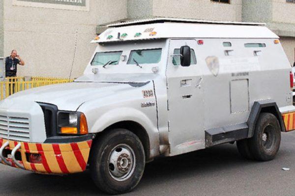 Lo que se conoce sobre el robo de un camión blindado cargado con divisas en Caracas