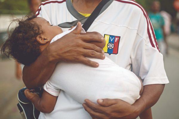 Gobierno colombiano prorroga medida de protección para niños de padres venezolanos