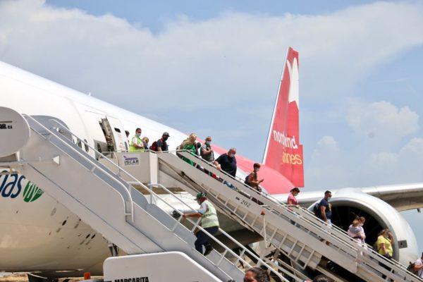Nueva Esparta recibió vuelo inaugural Moscú-Porlamar con 439 turistas rusos