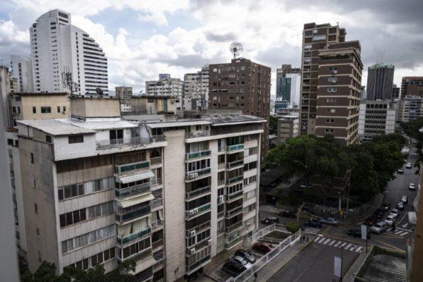 Sin crédito hipotecario: ¿Cómo logra funcionar la compraventa de inmuebles en Venezuela?