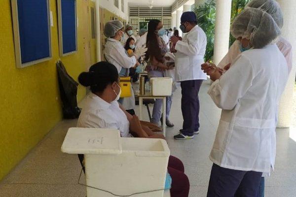 César Trómpiz informó instalación de 39 puntos de vacunación para el sector universitario