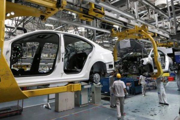 Olalquiaga: «De 12.700 industrias en 1999, hoy escasamente quedan 2.000»