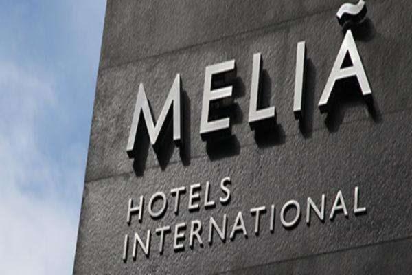 Meliá firma un acuerdo con el BBVA para impulsar su modelo de franquicia