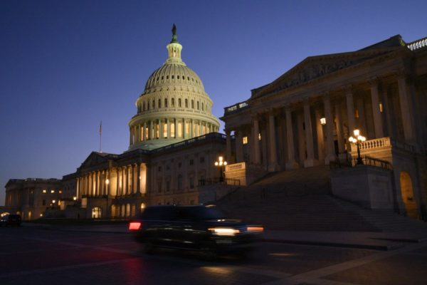 Congreso de EEUU llega a un acuerdo para evitar el default