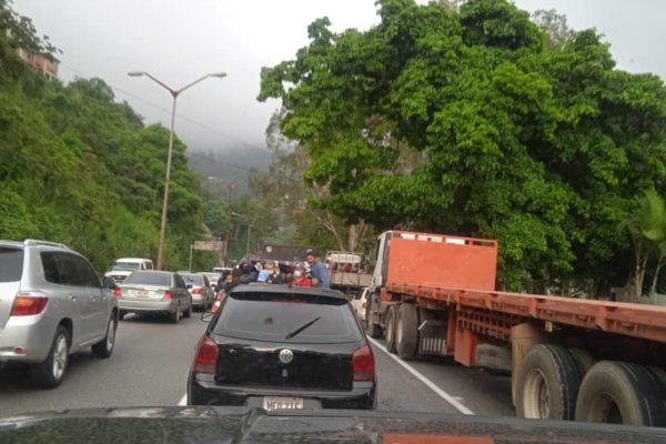 Accesos a Caracas restringidos: reportan alcabalas por medidas preventivas contra el Covid