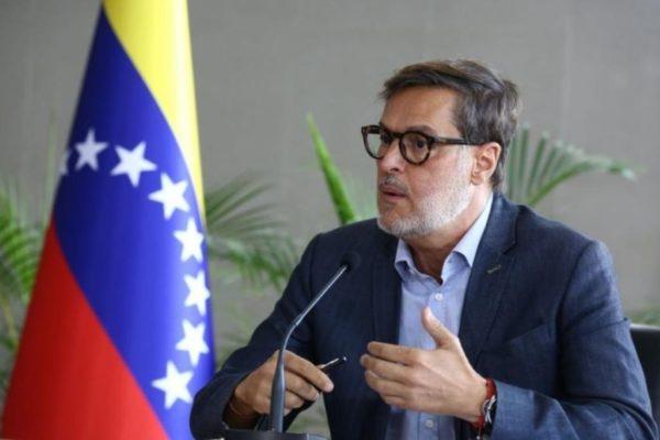 Analistas: Venezuela entra una nueva fase de la diplomacia para salir del aislamiento internacional