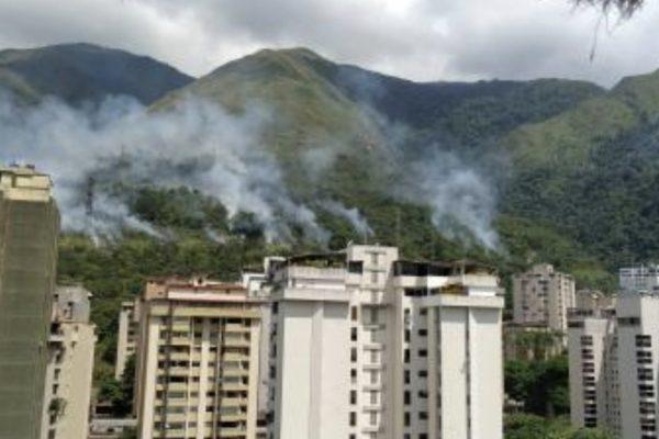Explosión en líneas de alta tensión: Se registró un nuevo apagón en Caracas