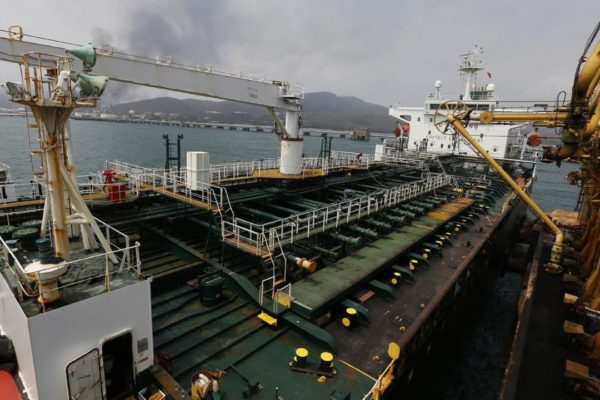 Tercer cargamento de condensado iraní llegará a Venezuela esta semana